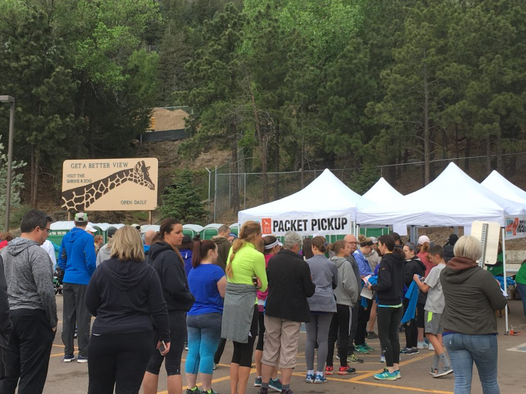 Cheyenne Mountain Zoo Race Packet Pickup