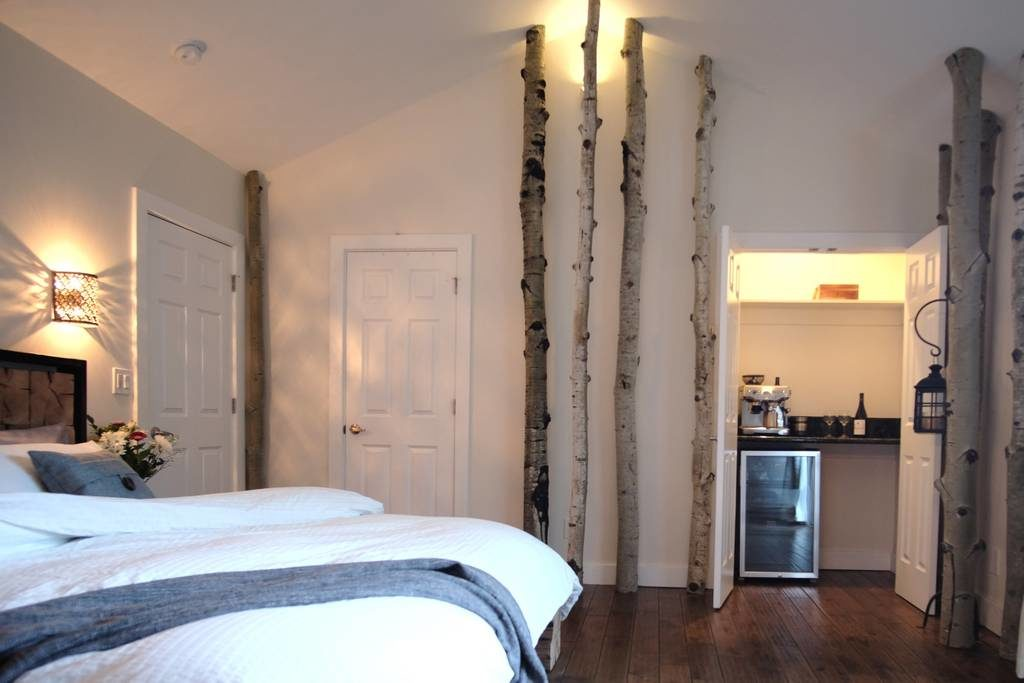 Airbnb Broadmoor bedroom